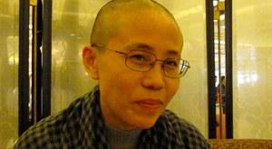 Liu Xia, de weduwe van Liu Xiaobo, leest tijdens haar jarenlange huisarrest twee gedichten voor