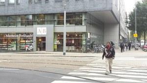 Unieke archiefverkoop Singel Uitgeverijen bij Athenaeum Boekhandel Roeterseiland